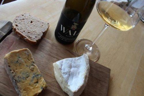 Wein und Käse - Weingut Josef Walz Heitersheim - Gewürztraminer & Blue Stilton ©Weingut Walz
