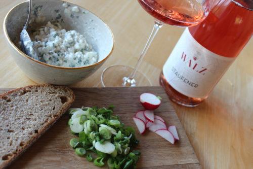 Foto Wein & Käse Staufener Rose mit Bibbeleskäse - Weingut Josef Walz Heitersheim